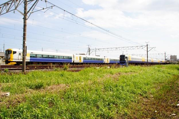館山の留置線に停まるE257系500番代、255系、113系