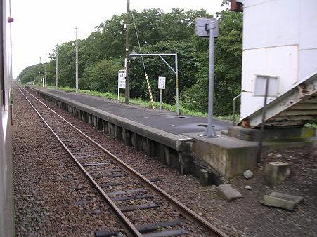 遠浅駅ホーム2