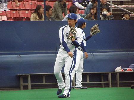 003 柳田も1塁と3塁を守ります