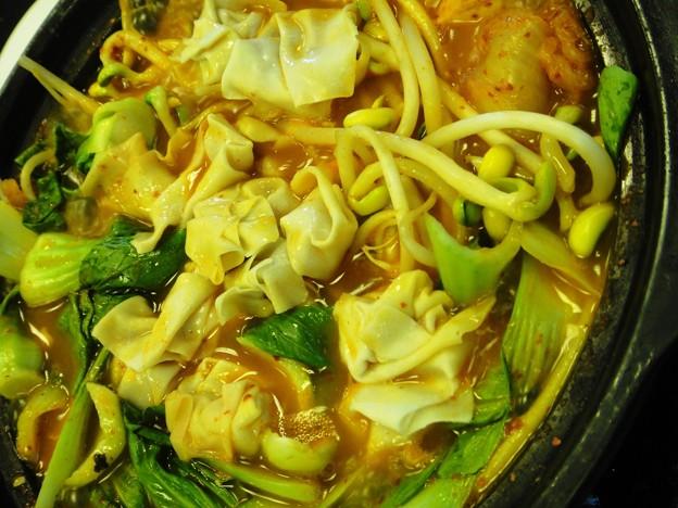 韓国包菜鍋 加ワンタン