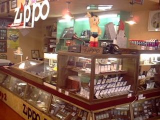 @LP570SL  私が、よく行くZIPPO専門店『Shop2』の店内です!→
