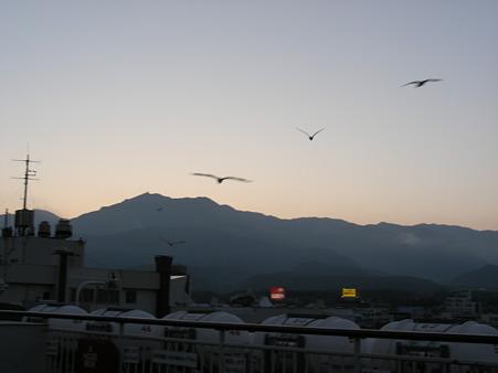 夕暮れの大佐渡の山々