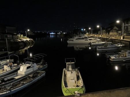 坂出港船溜まりの夜景