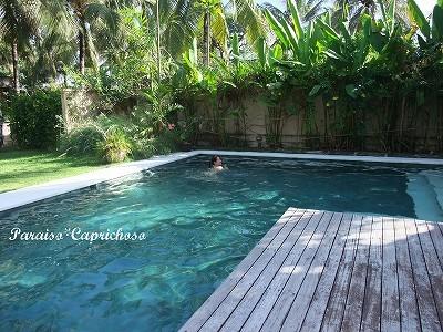 プライベートプールで一泳ぎ