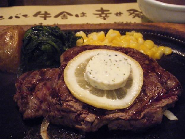 ステーキバンバン牛舎ステーキ