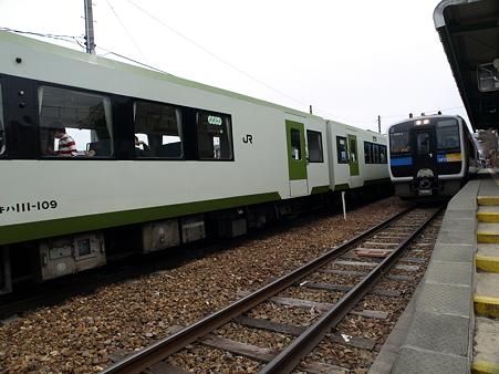 キハ110系とキハE200(野辺山駅)2