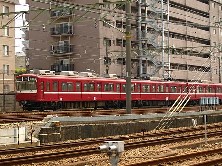 800形(神奈川新町)