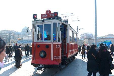 2011.01.27 トルコ イスタンブル タクシム広場からイスティクラル通りへ