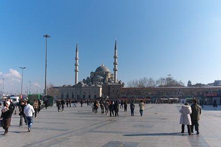 2011.01.27 トルコ イスタンブ イェニ・ジャーミィモスク前広場