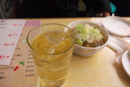 2011.02.27 有楽町駅 登運とん ハイボールと牛筋の煮込み