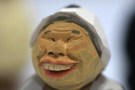 2011.08.03 机 木彫り小舎オリジナル木彫人形 おばちゃん