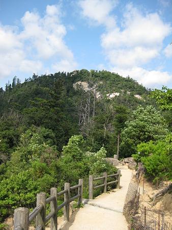 100815 弥山への道
