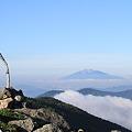 写真: 100722-56蝶ヶ岳登山・ケルンと乗鞍岳?