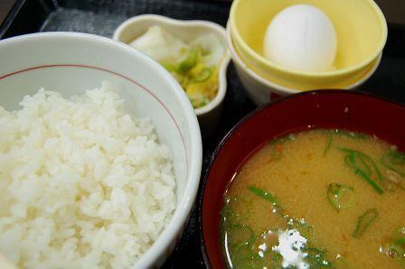 とん汁定食290円