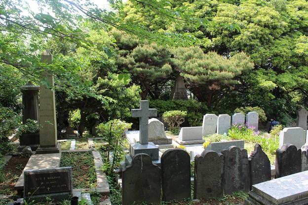 横浜外国人墓地2
